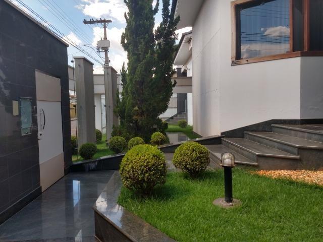 Linda casa no bairro Aurélio Caixeta em Patos de Minas/MG - Foto 17