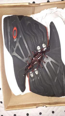 Tênis Oakley Voltage Black/Red