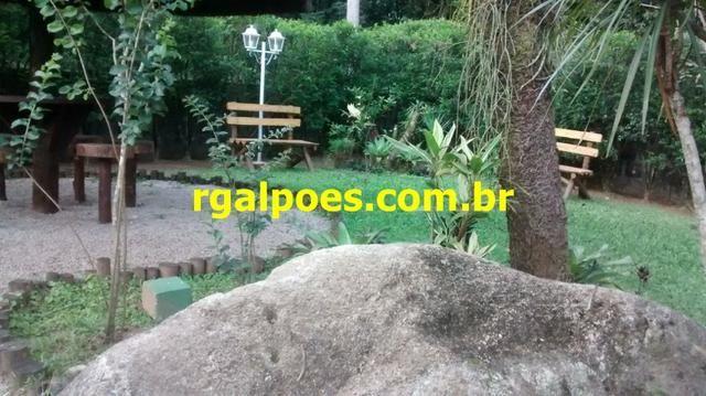 G 1423, Sítio de 2.000m² com piscina, churrasqueira próximo a Rio-Petrópolis - Foto 15