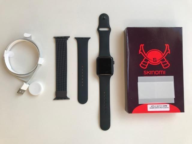 Apple Watch Series 3 42mm GPS + Pulseira De Aço + 2 Películas Skinomi