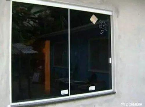 Promoção.Tenho p pronta entrega 02 janelas em vidro temperado fumê de 6mm 1.10 x 1.20