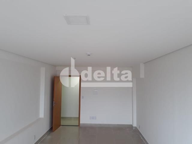Escritório para alugar em Tibery, Uberlândia cod:590167 - Foto 4