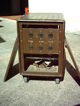 Regulador de tensão manual.- 011 -