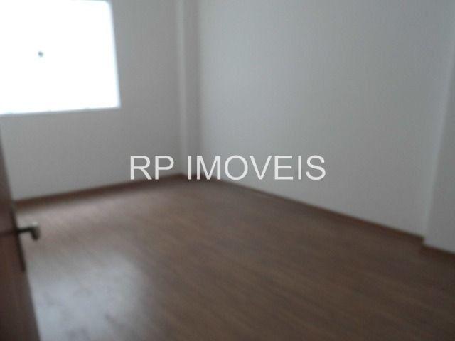 Ótimo Apartamento com 2/4 sendo 1 suíte - Área externa - 2 vagas de garagem - Foto 7