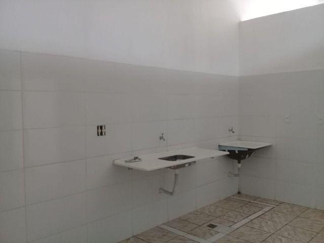 900,00 alugo salão comercial com cozinha - Foto 3