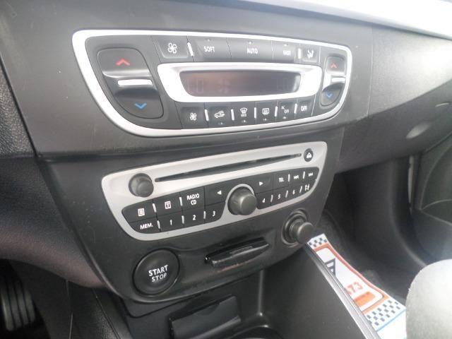 Renault Fluence 2.0 Dynamique Manual Flex (2012) - Foto 9