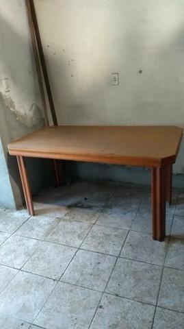 Mesa de madeira torro