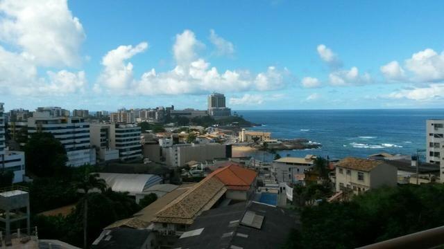 Apartamento de 2/4 com varanda com Vista Mar No Rio Vermelho