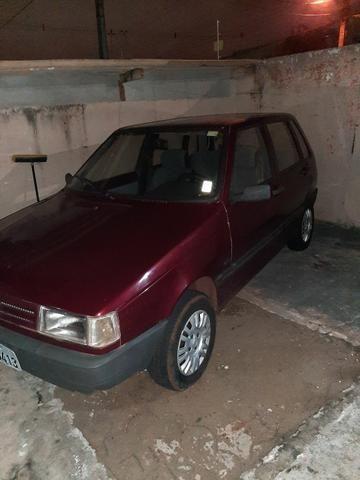 Uno 1995 4 portas