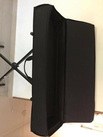 Em Unaí - Case e suporte para teclado musical