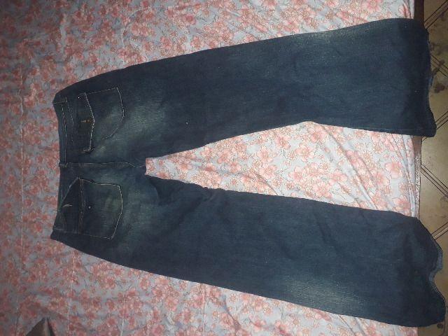 Lote de 2 lindas calças jeans, uma o tamanho é 50 e a outra 48 - Foto 5