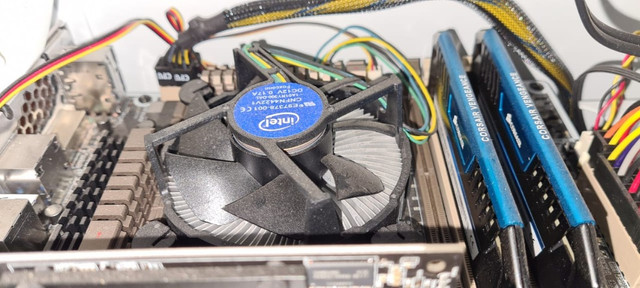 Desktop Intel Core i7 ASUS hd 1T SSD 60g 16Ram Corsair GeForce 8400GS 1GB - Foto 4