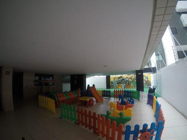 Apartamento 3 Quartos +DCE, Varanda, Completo de Armários - Ponta Verde - Foto 11