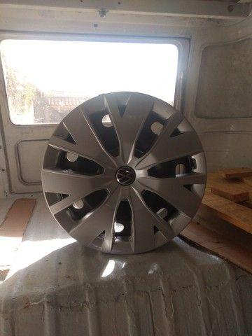 Jogo de roda ferro com calota original VW - Foto 4