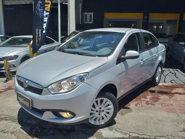 Grand Siena 1.6 essence 2014 o mais Novo de Sergipe