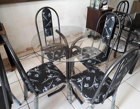 Preço Bom Demais Lindo Conjunto de Mesa Tampo de Vidro(Redondo)Nova 499,00 - Foto 2