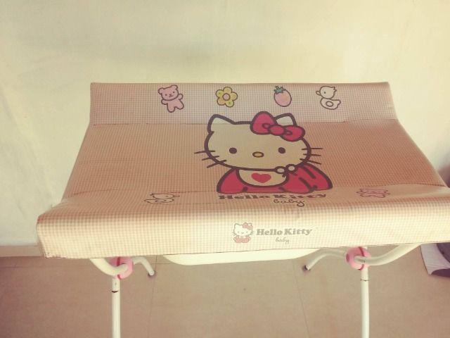 Banheira com trocador Hello Kitty