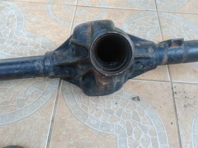 Carcaça do eixo traseiro canela grossa do jipe Willy e pontas de eixo meia vida - Foto 2