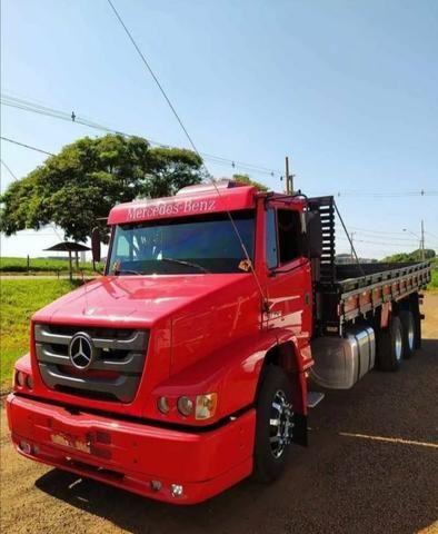 Vrndo caminhão semi novo