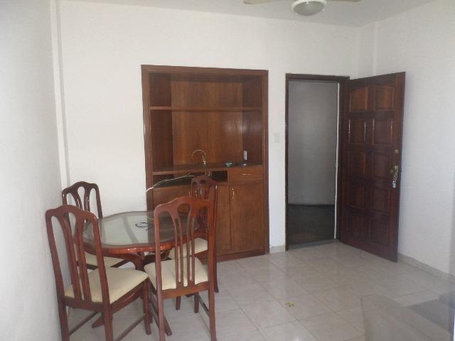 Ondina - Apartamento de quarto e sala com varanda de frente para a Avenida - Foto 6