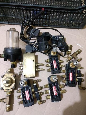 Válvulas pneumática e solenóide