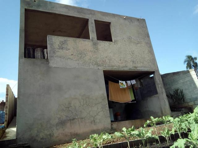 Vendo uma bela casa em local muito agradável pra quem gosta de tranquilidade. - Foto 11
