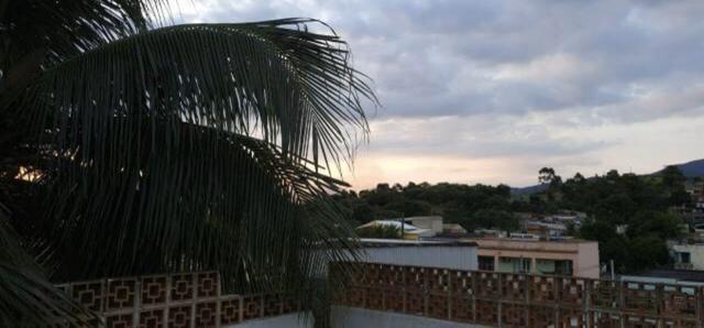 Alugo linda casa em Campo Grande - Foto 6