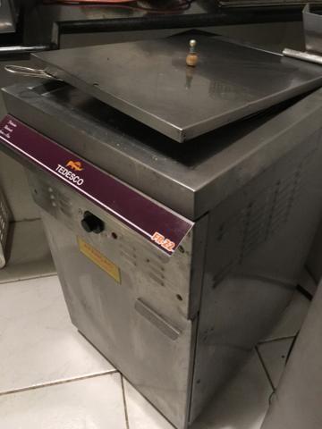 Fritadeira Tedesco Fr 22 água e óleo