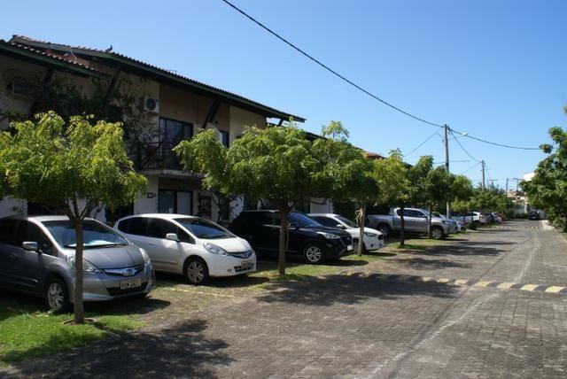 Casa 4/4 | Condomínio Fechado | 200m da Praia | Excelente localização | Itapuã