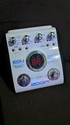 Pedaleira Zoom G2E