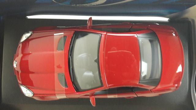 Maisto - Mercedes Benz SLK 230 - Escala 1:18 - Metal Collection Colecionadores - Foto 2