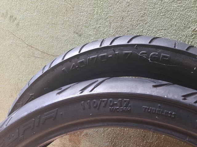 Vendo par de pneus cb300 twister ou fazer