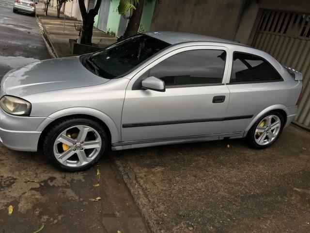 Astra gl ano 2000 roda 17 pneus novos - Foto 4