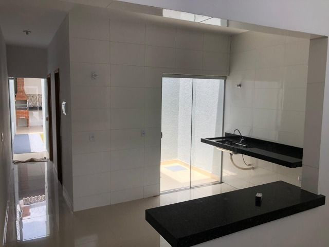 Vendo casa no Moinho Dos Ventos 2 suites com Churrasqueira - Foto 17