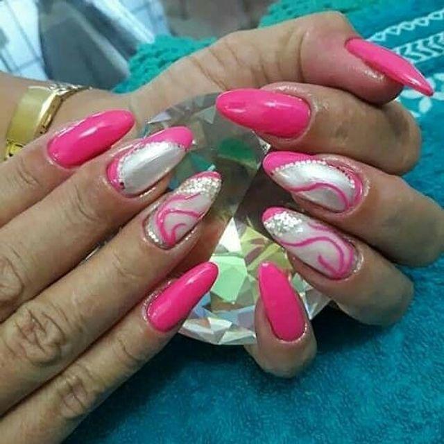 Alongamento de unhas e Lash Lifiting cílios