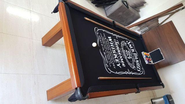 Mesa Madeira Redinha Cor Imbuia Tecido Preto Logo Jack Daniels Mod. CANR0054 - Foto 3