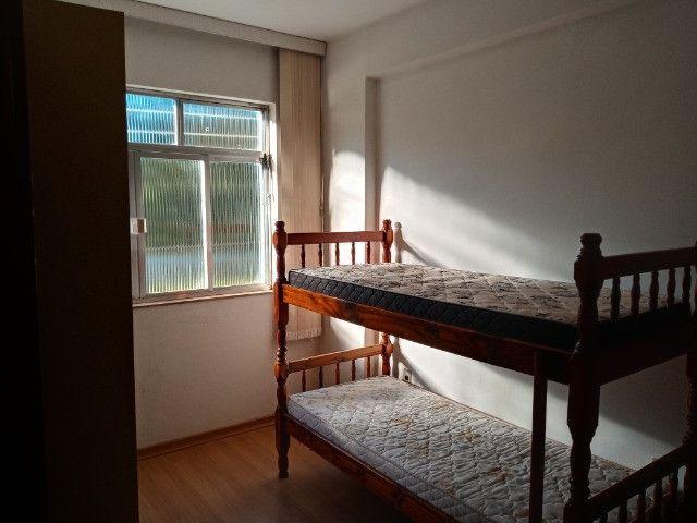 A104 - Apartamento no centro com dois dormitórios - Foto 4