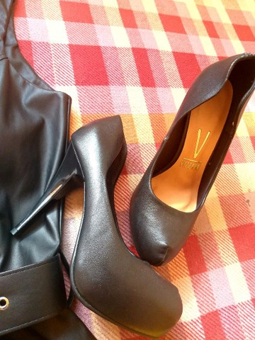Vendo Vestido e Scarpins - Foto 4
