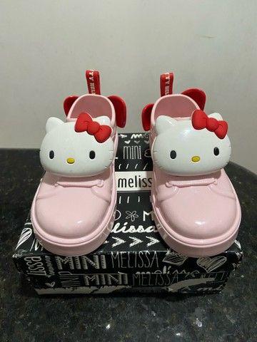 Tênis Melissa Hello kitty 25 - Foto 2