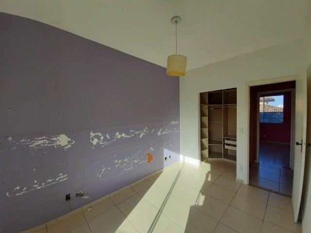 Maravilhosa casa em condomínio na Glória - Foto 11