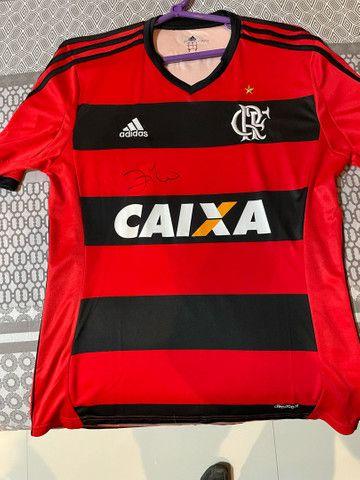 Camisa original do Flamengo autógrafada por zico