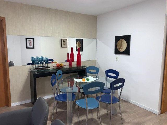 Apartamento 3 Quartos +DCE, Varanda, Completo de Armários - Ponta Verde - Foto 5