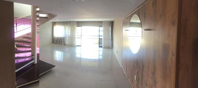 Cobertura duplex na Ponta Verde