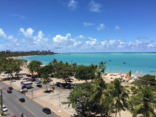 Beira Mar de Pajuçara com 275 M2 e 4 suítes + DCE. Ótima área de lazer no empreendimento