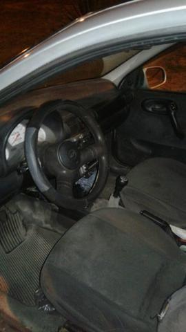 Corsa sedan milenium 2002 vendo ou troco por algo do meu interesse - Foto 2