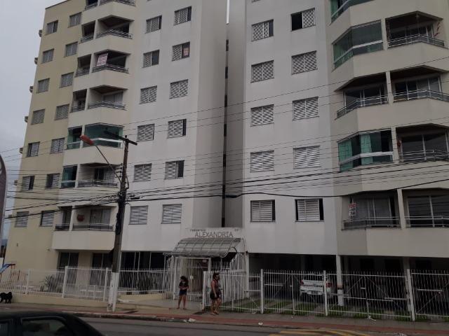3 dormitórios com 1 suíte em Barreiros - Foto 2