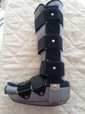 Bota ortopédica usada - Robofoot longa - Foto 4