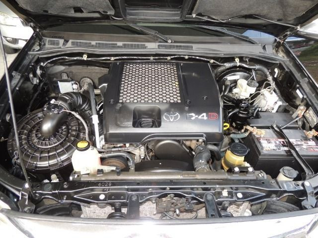 Toyota Hilux SW4 3.0 SRV 7 Lugares Diesel 4x4 2011/2011 - Foto 13