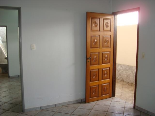Casa para alugar com 2 dormitórios em Setor coimbra, Goiânia cod:204 - Foto 6