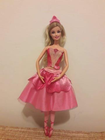 Boneca Barbie e Ken (R$ 30,00 cada)